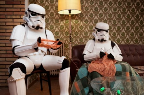 Обычная жизнь имперских штурмовиков (16 фото)