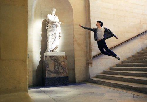 Уникальные автопортреты танцора Микаэля Йоу (22 фото)
