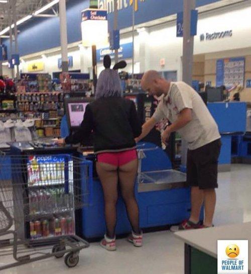 Чудаки и чудачества в Walmart (17 фото)
