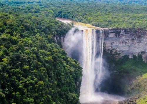 Топ-10: Малоизвестные водопады, которые стоит увидеть хоть раз в жизни