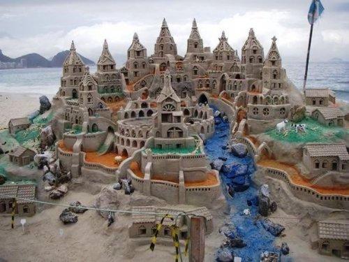 Красивые и удивительные песочные замки (25 фото)