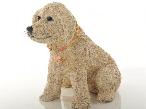 Скульптуры собак из необычных предметов (10 фото)