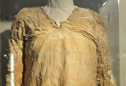 Топ-10: Самые древние предметы одежды и аксессуары в мире