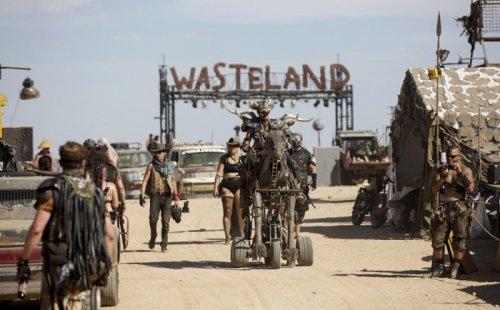 Крупнейший международный постапокалиптический фестиваль Wasteland Weekend-2015 в Калифорнии (26 фото)