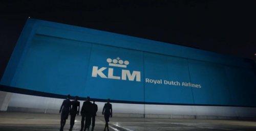Распаковка новенького Boeing 787 Dreamliner