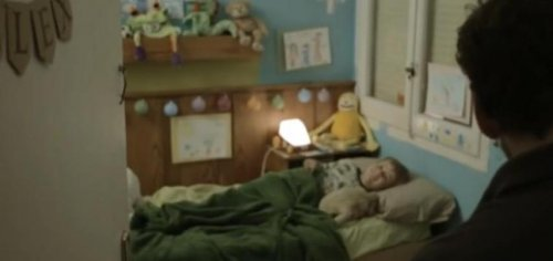 """Минутный фильм ужасов """"Уложи меня спать"""""""