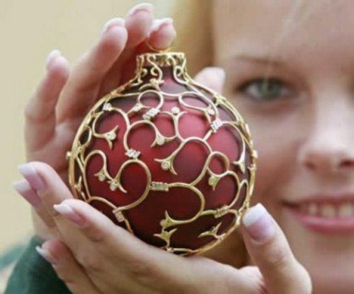 Невероятно красивые и дорогие ёлочные игрушки 1450182456_elochnye-igrushki-2