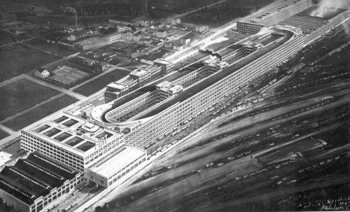 Гоночный трек на крыше завода Фиат в Линготто (18 фото)