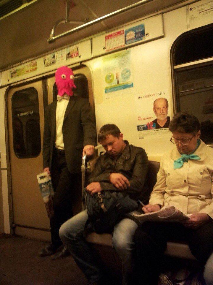 странные люди в электричке фото обязательно использовать анкерное