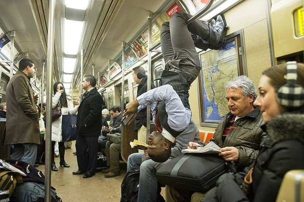 Приколы и странности нью-йоркского ...: www.bugaga.ru/jokes/1146751924-prikoly-i-strannosti-nyu-yorkskogo...