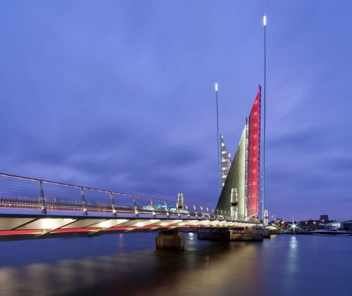 """Puente """"Dos velas"""" (10 fotos)"""