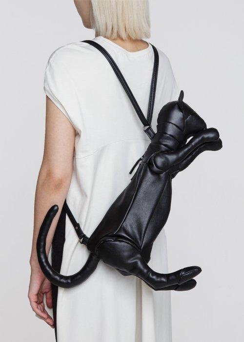 Сумка-рюкзак для сильной и независимой женщины (4 фото)