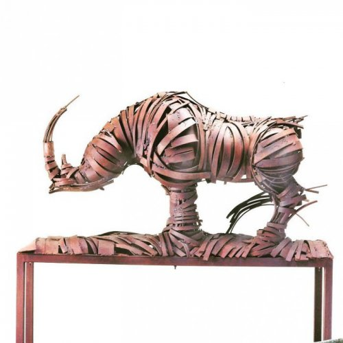 Скульптуры из кованых стальных прутьев (16 фото)