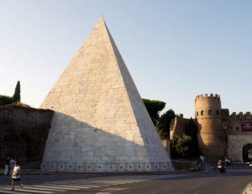 Топ-10: Странные и необычные достопримечательности Италии