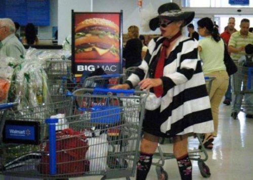 ������ � ���������� � Walmart (25 ����)