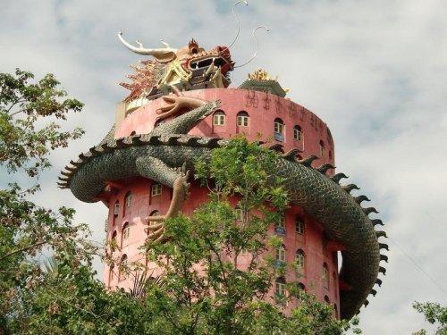 Буддийский храм Сам Фран в Таиланде (5 фото)