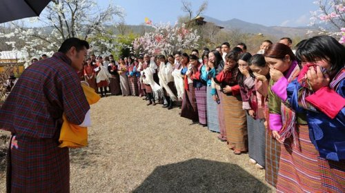 Необычный подарок для новорождённого принца Бутана (8 фото)