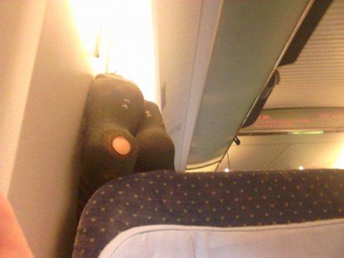 Авиапассажиры, которые отбивают желание летать (26 фото)