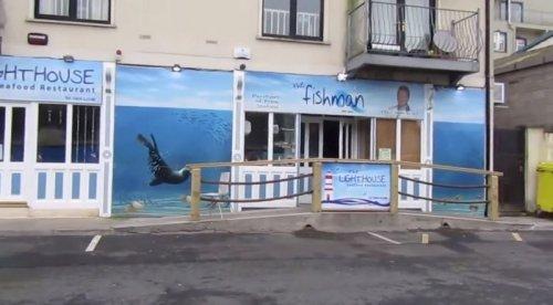Необычный посетитель рыбного ресторана в Дублине (6 фото)
