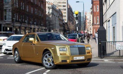 Позолоченные суперкары на лондонских улицах (12 фото)