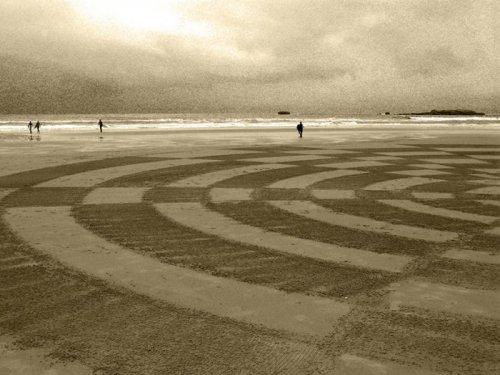 Рисунки на песке Сэма Дугаду (12 фото)