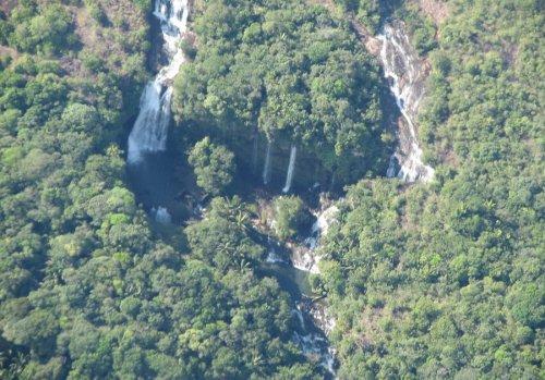 Каньо-Кристалес, или Река пяти цветов в Колумбии (22 фото)