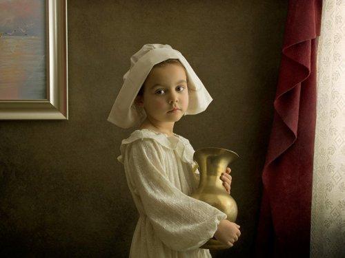 Фотограф воспроизводит классические картины с участием своей 5-летней дочери (12 фото)