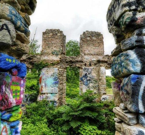 Заброшенные места в фотографиях Трейси Левеск (25 фото)