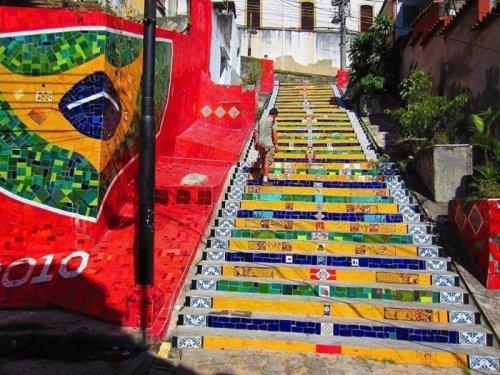 Необычные лестницы по всему миру (17 фото)