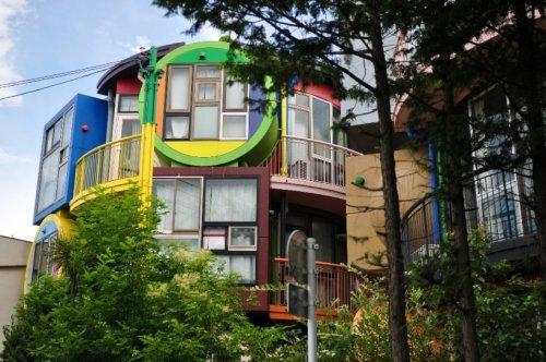 Дом для активных пожилых японцев (13 фото)