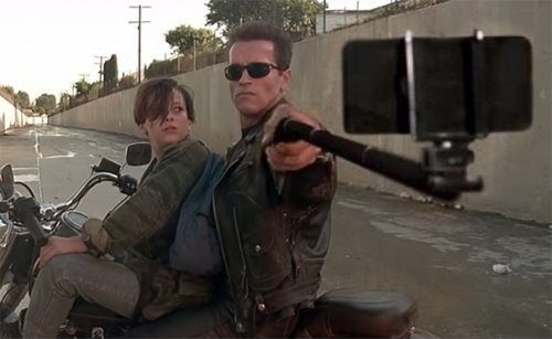 Палка для селфи вместо оружия (23 фото)