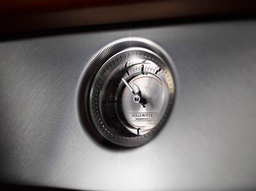 Прощальная новинка от Rolls-Royce Phantom (8 фото)