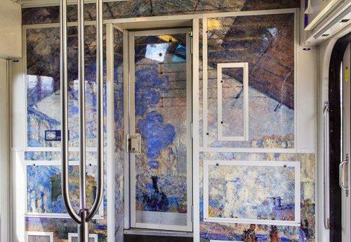 Французские поезда превратились в движущиеся художественные музеи (7 фото)