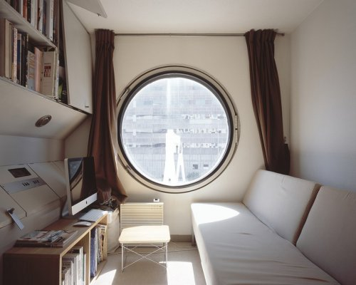 """Башня """"Накагин"""" в Токио — первое в мире модульное здание (12 фото)"""
