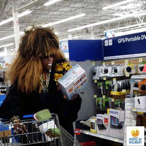 ������ � ���������� � Walmart (20 ����)
