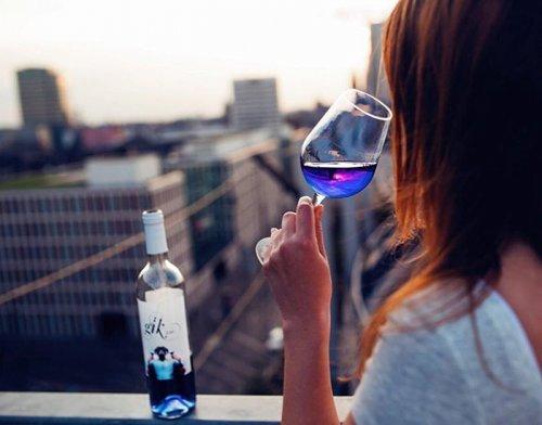 Налейте мне стаканчик синего! (6 фото)