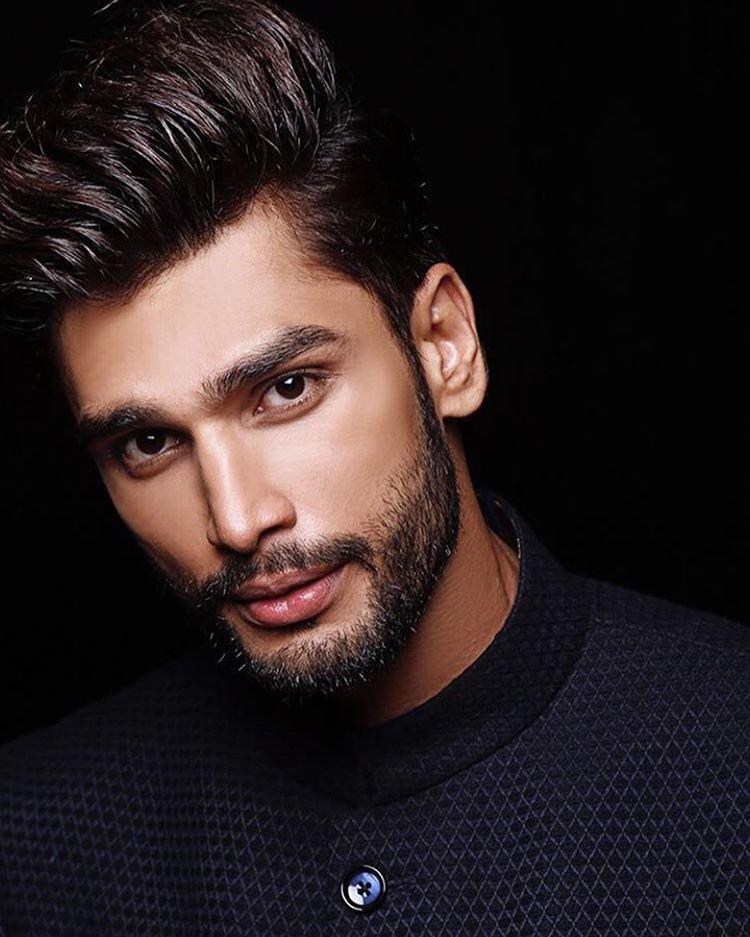 Самый сексуальный мужчина индии 2012