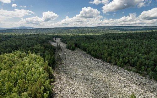 Большая каменная река в Национальном парке Таганай (8 фото)
