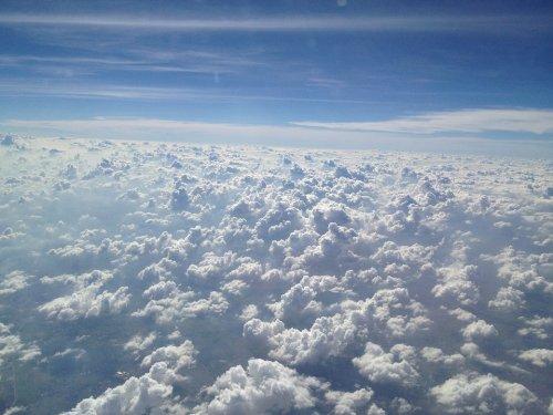 Пилот сфотографировал грозу на высоте 11 километров (2 фото)