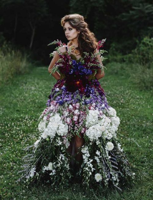 Самые странные и причудливые платья (12 фото + 2 видео)