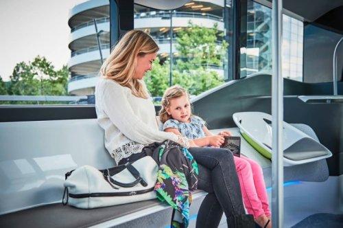 Автобус будущего от Mercedes-Benz (8 фото)