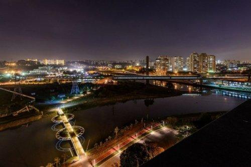 Необычный мост у штаб-квартиры Bayer в Сан-Паулу (7 фото)
