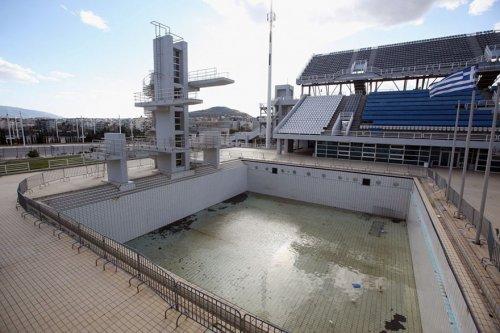 Заброшенные места проведения Олимпиады в разных уголках мира (19 фото)