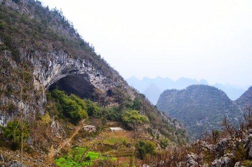 Китайская деревня Чжундун, расположенная в пещере (6 фото)