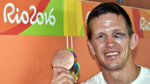 Дзюдоист Дирк Ван Тихелт стал жертвой нападения на пляже Копакабана в Рио (3 фото)
