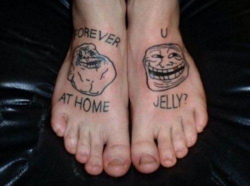 Странные и уродливые татуировки (12 фото)