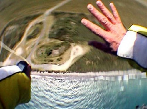 Люди, прыгнувшие без парашюта, которым удалось выжить (8 фото + 3 видео)