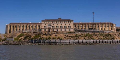 Топ-10: Самые красивые и роскошные тюрьмы в мире