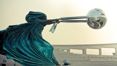 Изумительные и необычные скульптуры со всего света (16 фото)