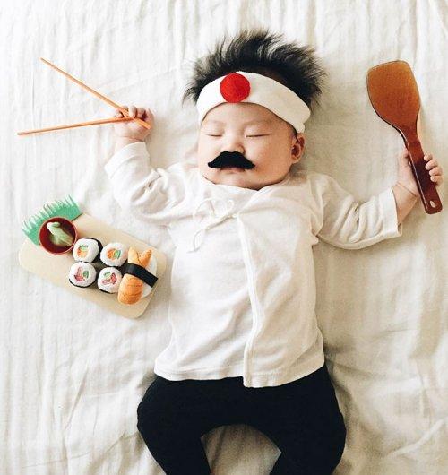 Креативные фотографии спящей малышки (15 фото)